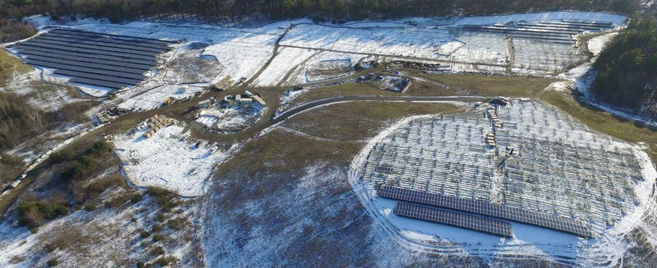 Aerial photo of Hudson Landfill solar installation.